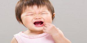 trẻ em đau nhiệt miệng