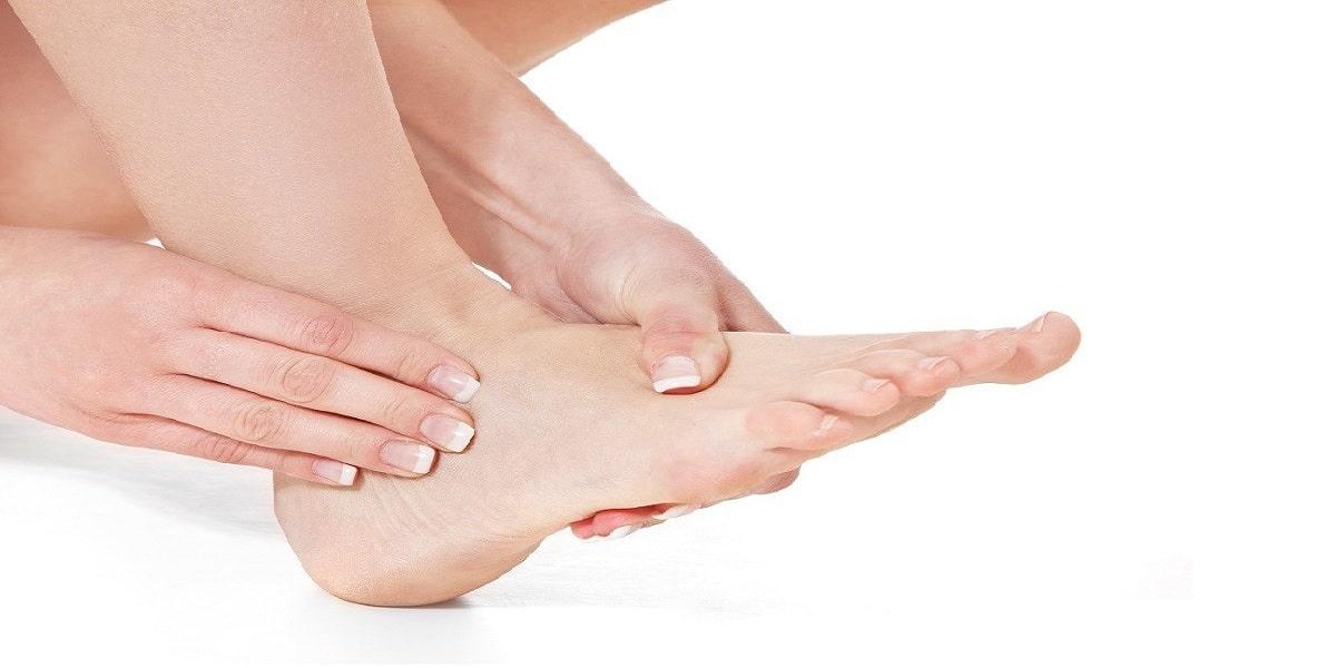 đau gót chân